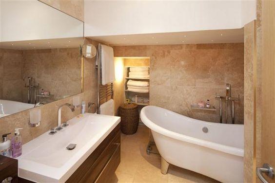 Ensuite Bathroom, Cobham - Construction & Installation by Weybridge Builders Wye Construction Services