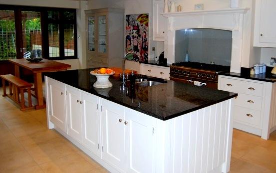 Kitchen, extension & refurbishment by Weybridge Builders Wye Construction Services Ltd