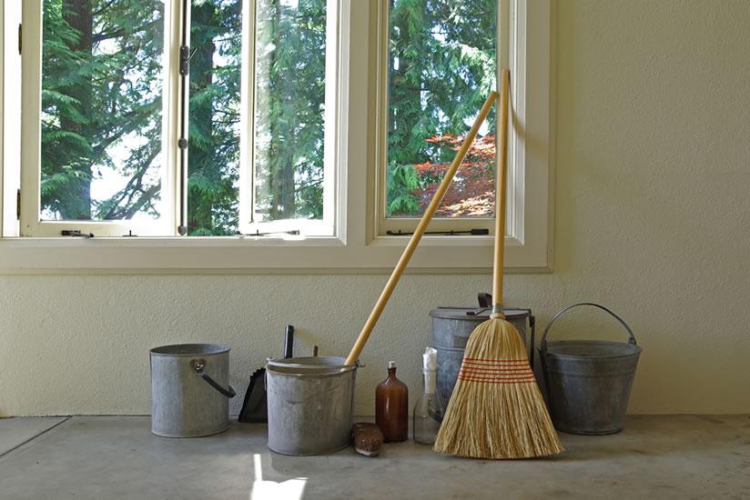 HomeOrganisers - Domestic Staff Agency Weybridge Elmbridge Surrey - For Nannies, Housekeepers & Companion / Carers