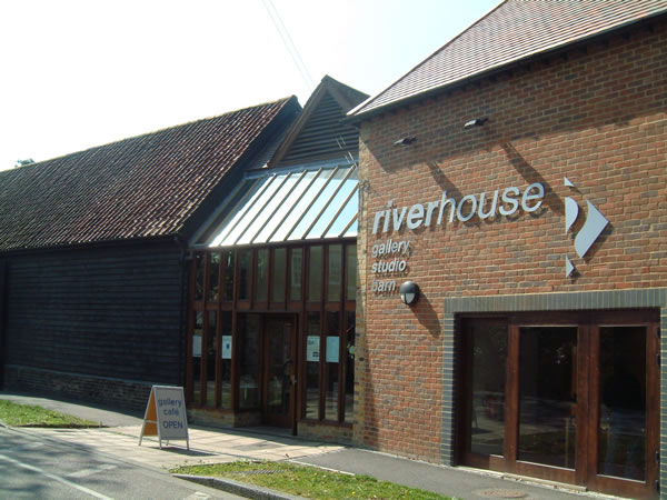 Riverhouse Gallery Studio & Barn - Arts Centre in Walton on Thames Elmbridge Surrey