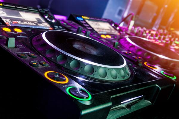 DJ Sweet P - 80s Music Night at Red Bar & Restaurant Queens Road Weybridge Surrey