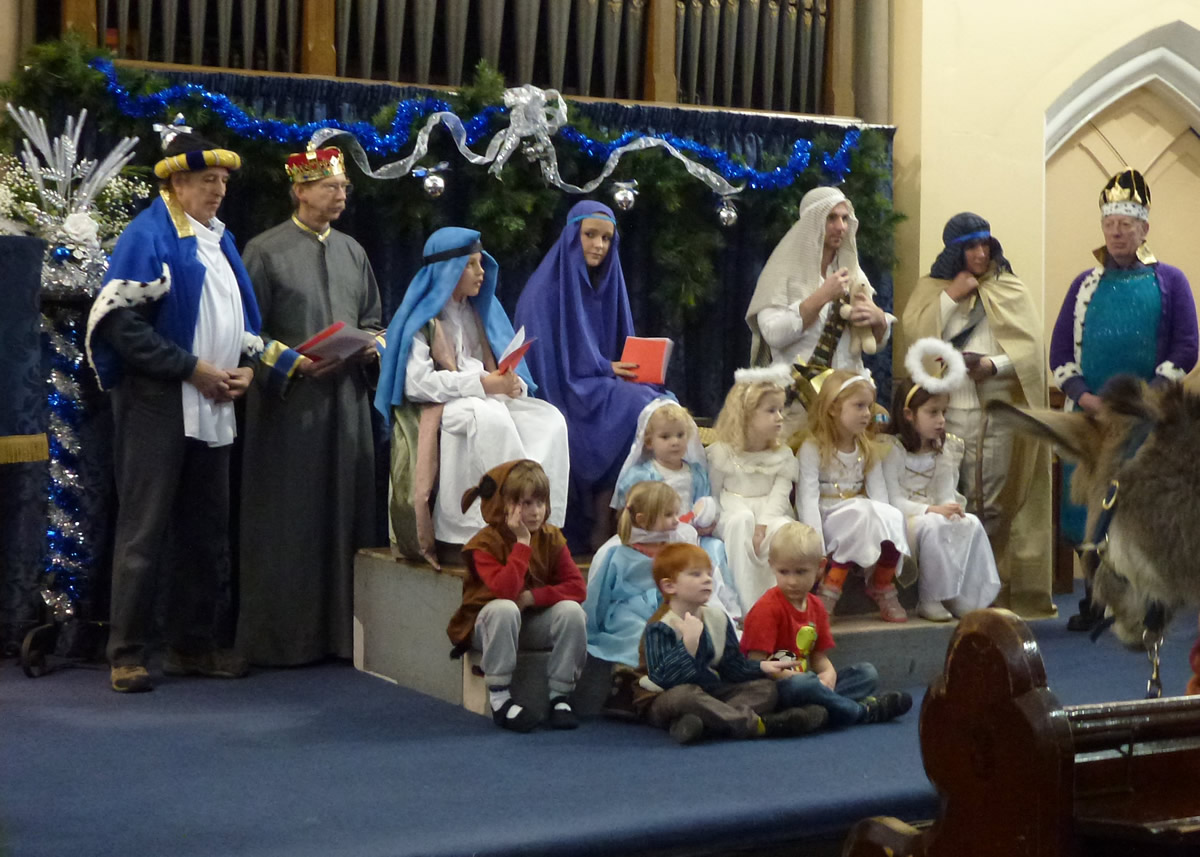 Christmas & Advent Services at United Reformed Church Weybridge Surrey