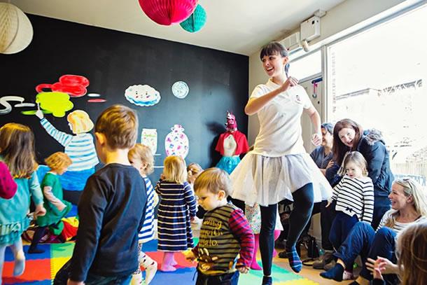 Dance classes in Scout Hut Weybridge Elmbridge for young pre-school children & toddlers