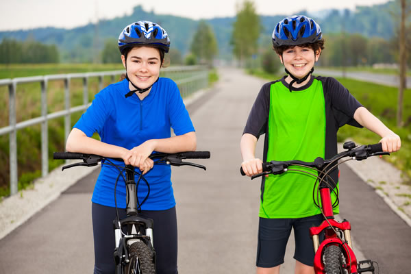 Children at Elmbridge Eagles Bike Club must be able to ride a bike without stabilisers and turn and stop when necessary