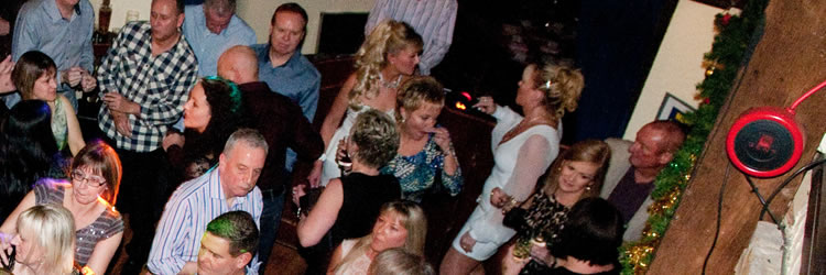 Dance Parties for Over 30s, 40s, 50s and 60s at Surrey & other towns incl Bletchingly Golf Club
