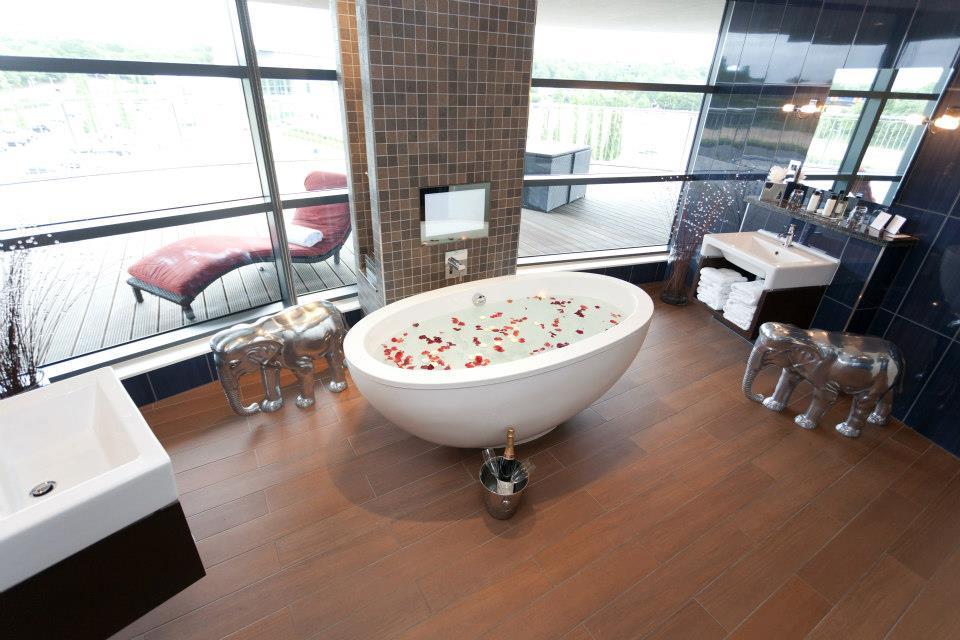 Hotel Room Bathroom Surrey