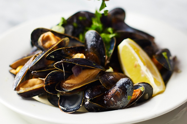 Cafe Rouges Moules - Mussels Seafood Dish at Weybridge Restaurant