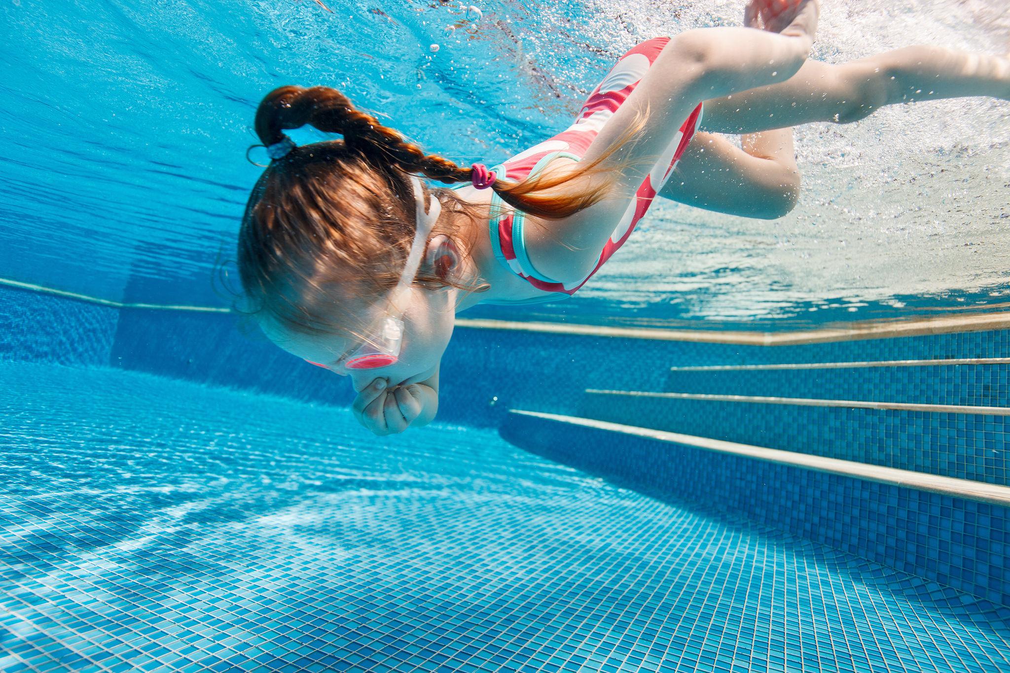 Childrens Swimming Tutition Addlestone Surrey