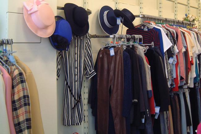Princess Alice Hospice Charity Shop Weybridge - Clothes Display