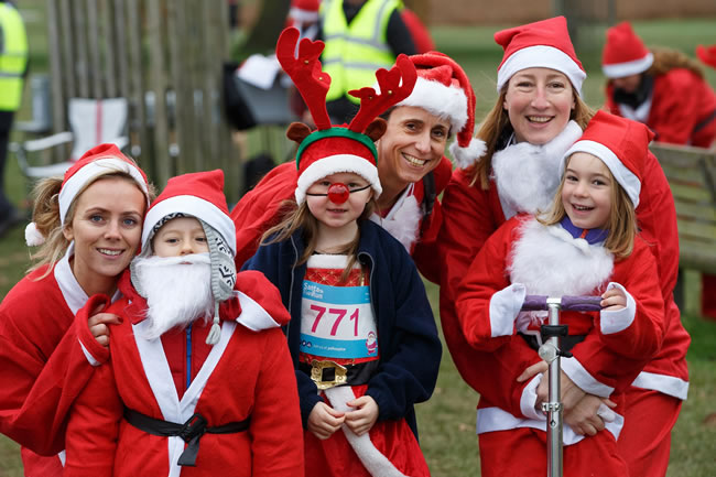 Santa Fun Runs For Princess Alice Hospice Esher - Richmond Park and Bushy Park