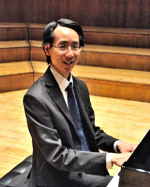 Tau Wey - Head of Keyboard at Sevenoaks School and piano tutor on Kent International Piano Course