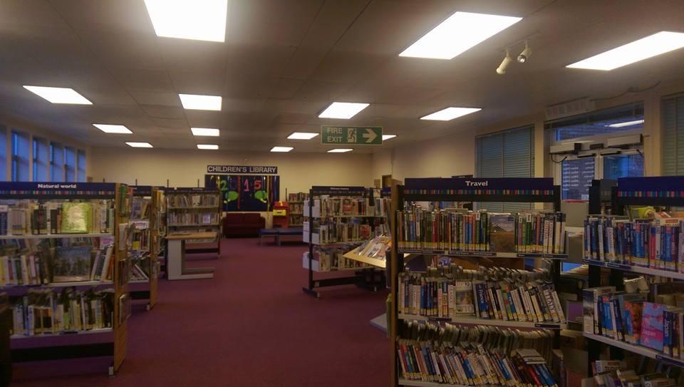 Books Computers Weybridge Library Surrey