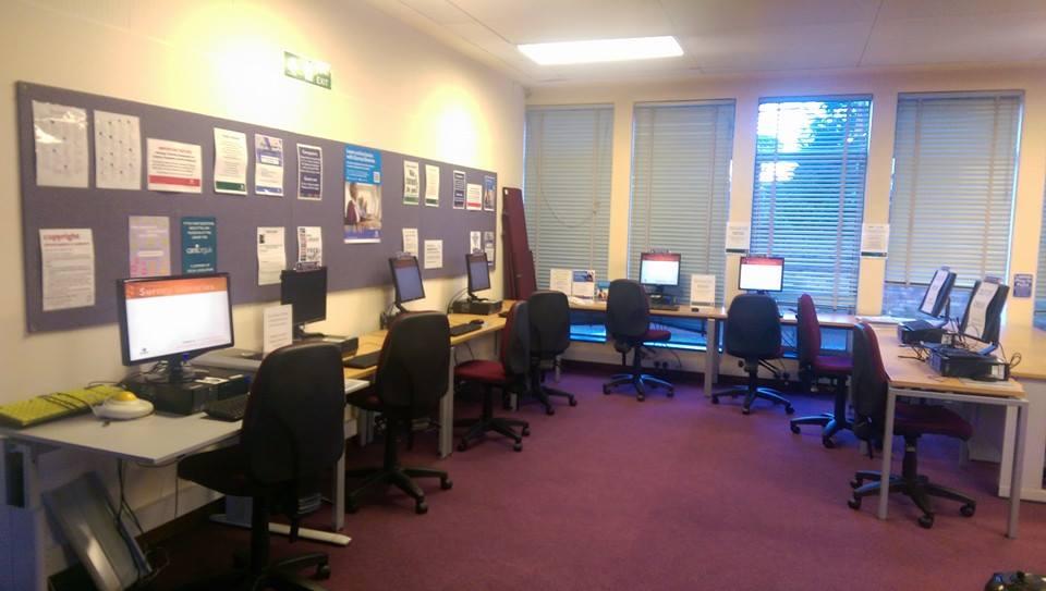 Computer Area Weybridge Library