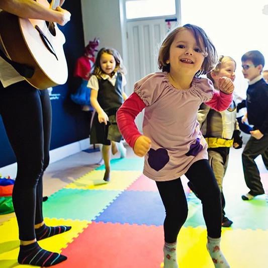 Kids Dancing - Having Fun at Dance Classes and Childrens Parties in Weybridge Elmbridge