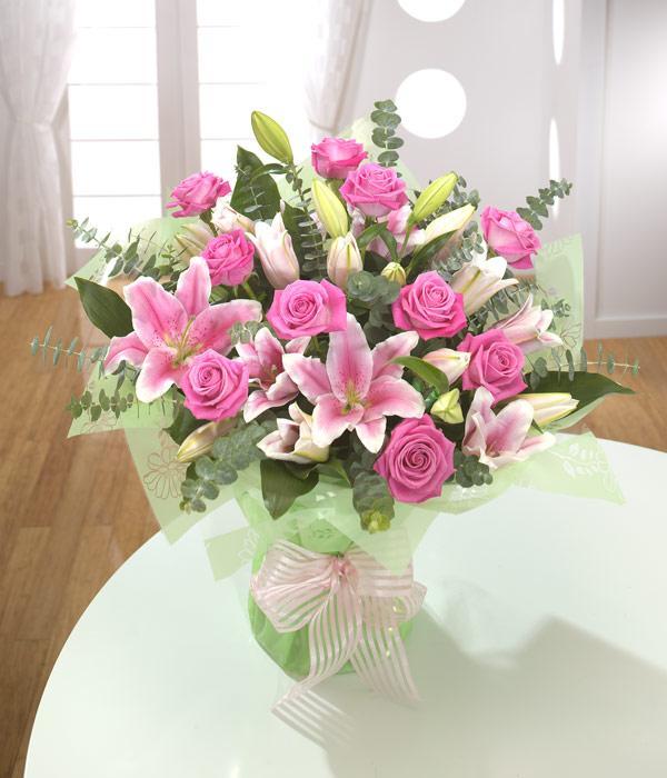 Weybridge Florists - Flower Arrangements Bouquets