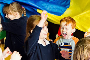 kids play and dance group