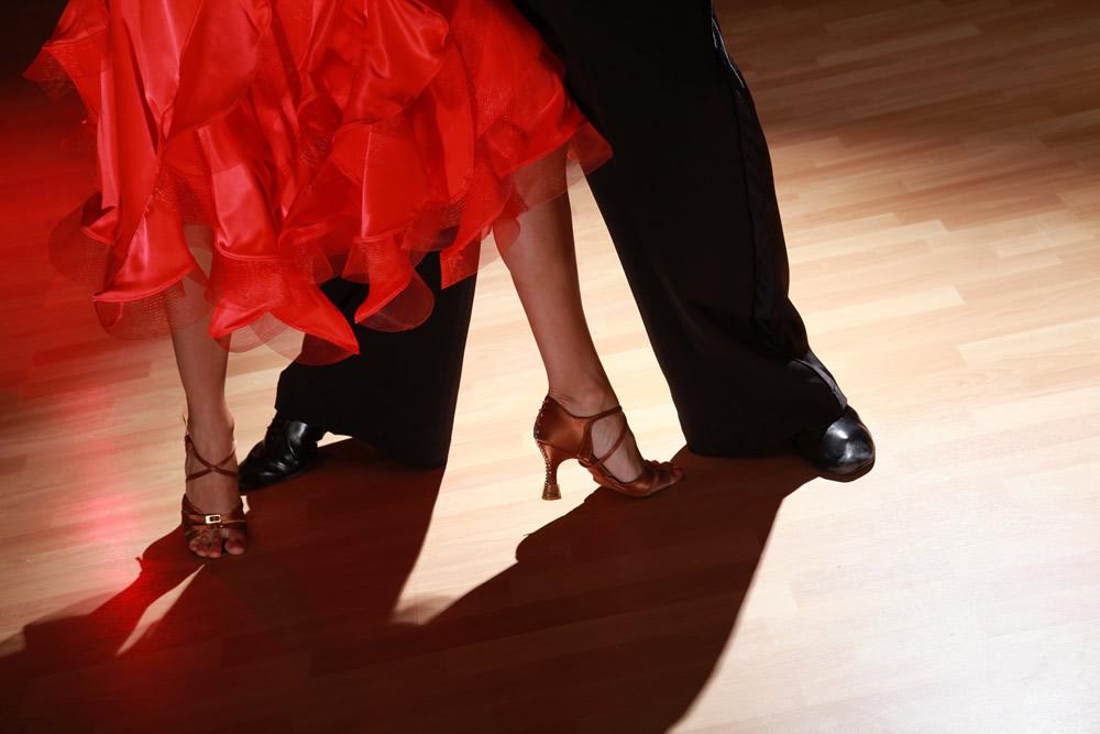 Ballroom Dancing and Latin Dance Classes in Esher near Hersham and Cobham