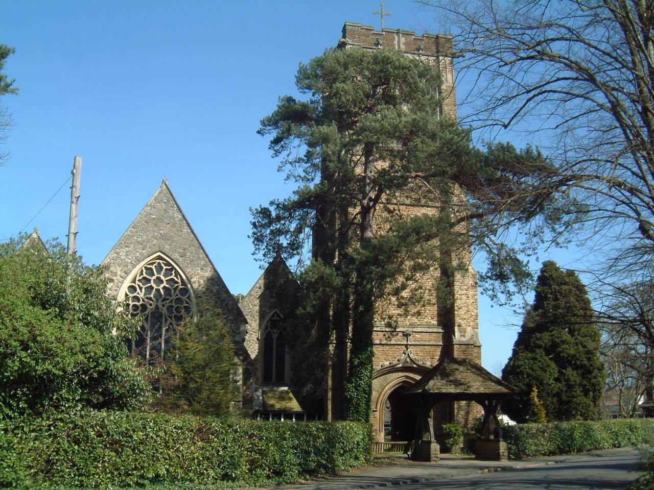 St Marys Church Oatlands Village - between Walton on Thames and Weybridge Surrey